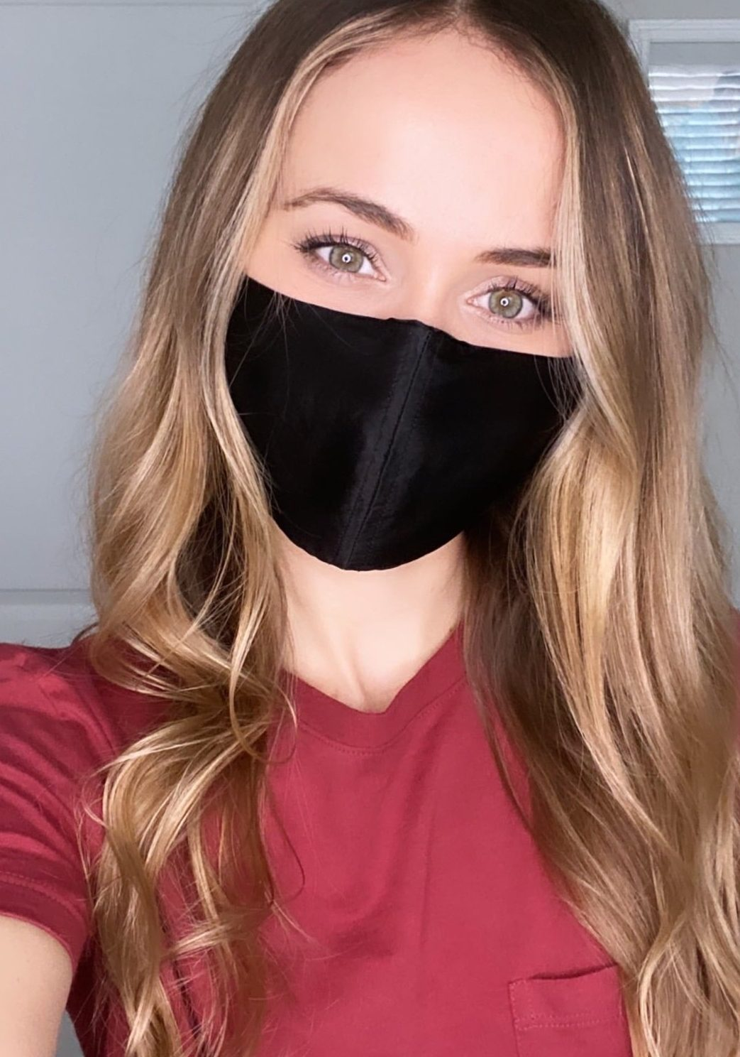 Lauryn with black mask and red shirt